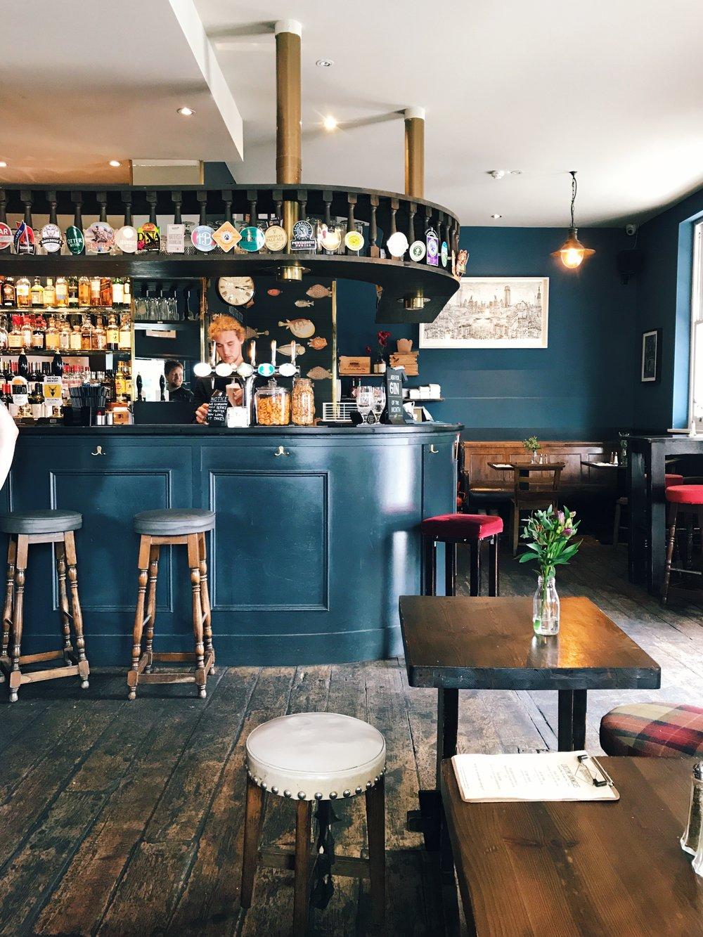 pub-bar.jpg