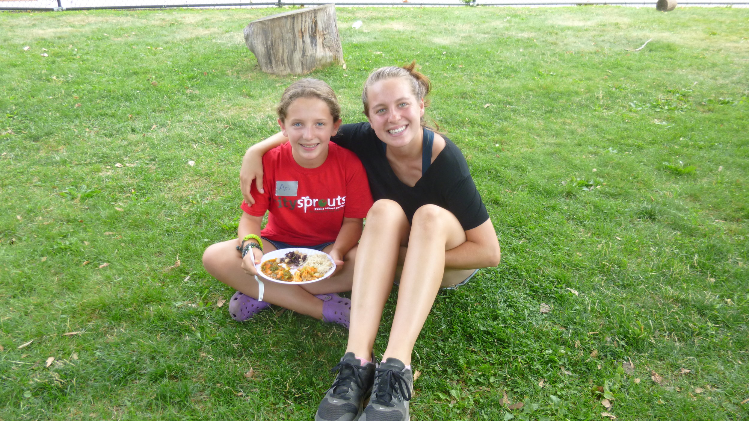 Morse School intern Ari shares a delicious meal with college fellow Alyssa.