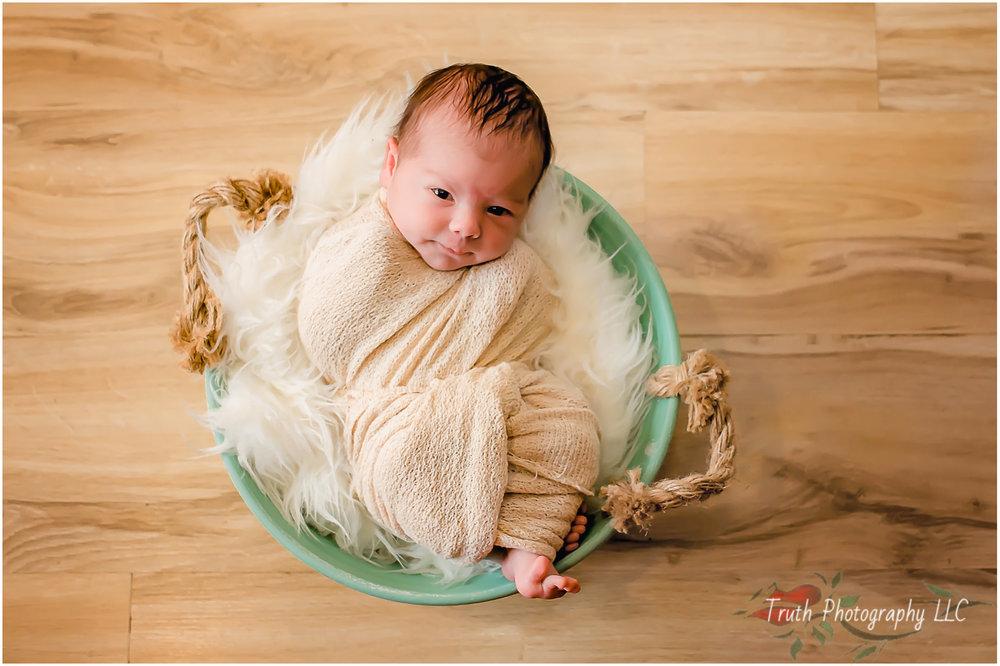 Denver-newborn-photographer.jpg