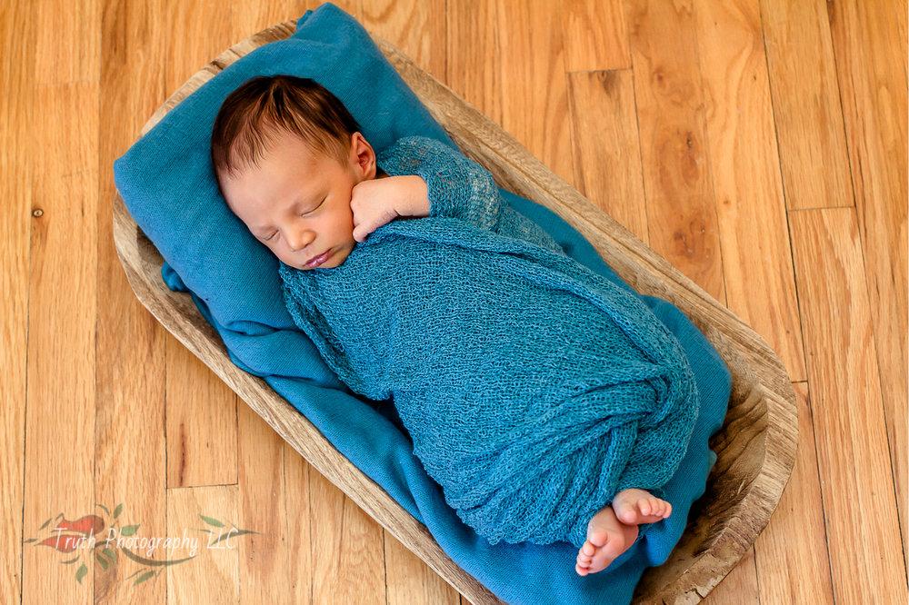 Truth-Photography-Broomfield-CO-newborn-photo.jpg