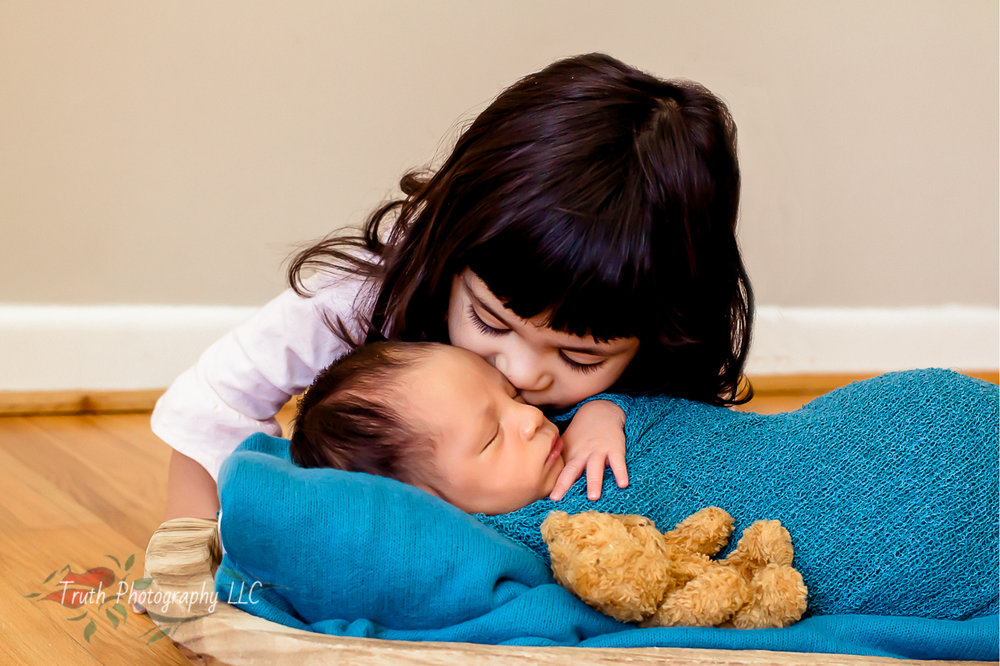 Truth-Photography-Broomfield-infant-photographer.jpg