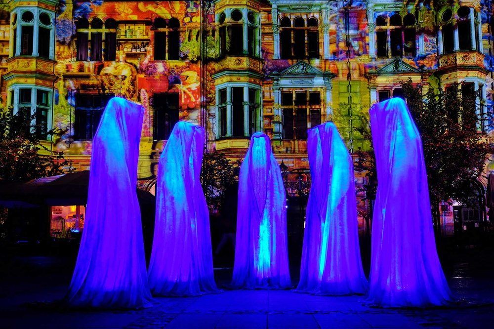 Guardians of Time by Manfred Kielnhofer, Berlin. Photo:    http://kielnhofer.at/art-design.htm