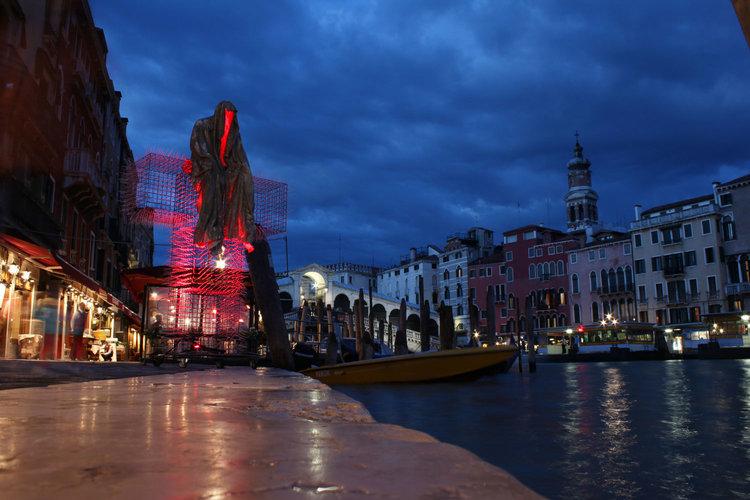 Public Venice Art Biennial T-Guardians by Christoph Luckeneder and Manfred Kielnhofer sculpture art tour.Photo: http://kielnhofer.at/art-design.htm