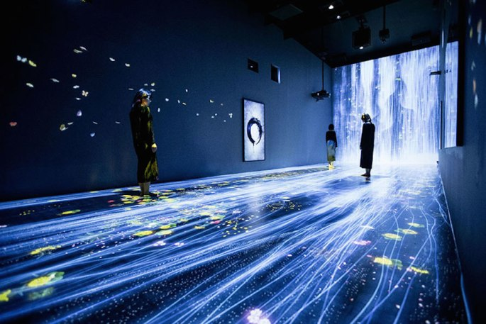 e9a80-immersive-interactive-installation-in-an-art-gallery-in-london-2.jpg