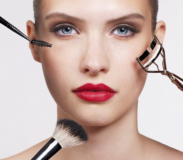 3-reasons-why-you-should-consider-going-to-beauty-school.jpg