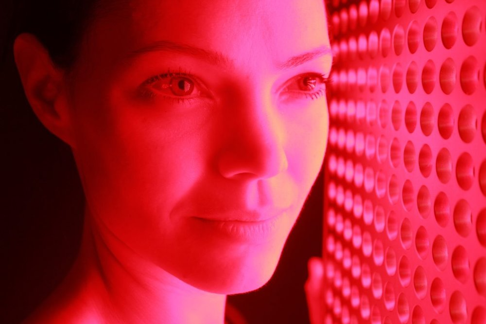 Red Light Therapy - Uses photo rejuvenation via RED LIGHT TECHNOLOGY as a safe and relaxing method to increase collagen in your skin naturally.
