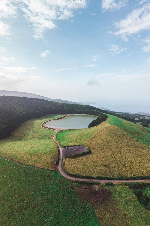 congro-lagoon-azores.jpg