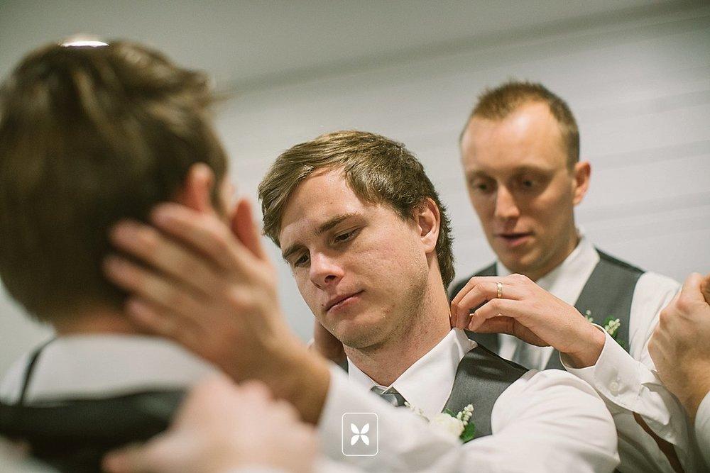 jesse_cori_northwest_arkansas_wedding_photography_Kindred_Barn_0011.jpg