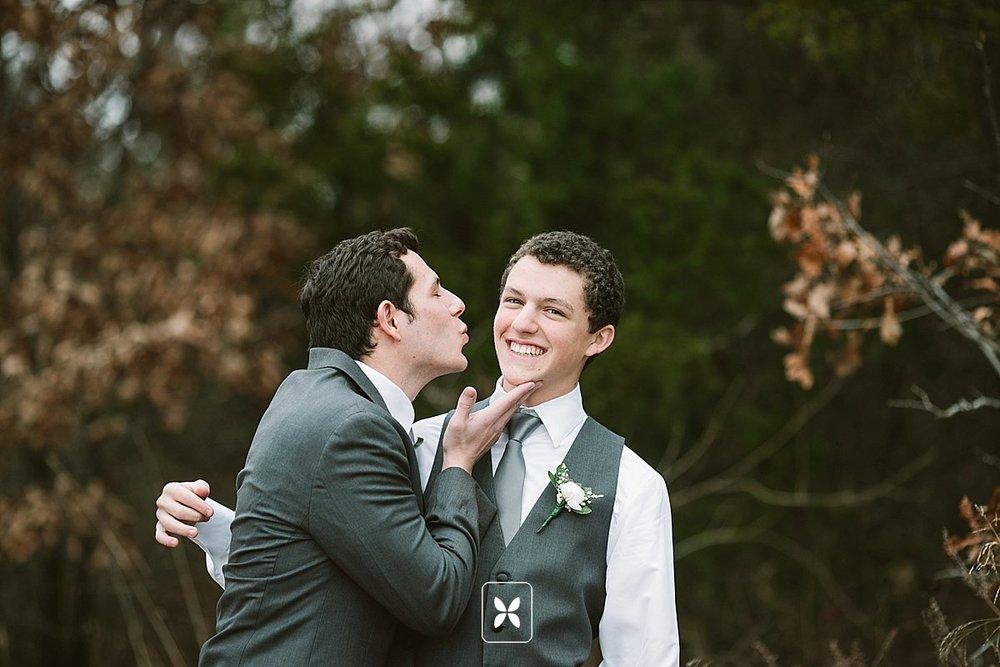 jesse_cori_northwest_arkansas_wedding_photography_Kindred_Barn_0013.jpg