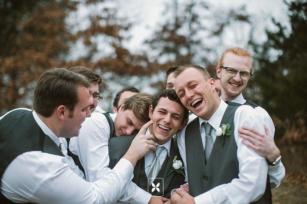 jesse_cori_northwest_arkansas_wedding_photography_Kindred_Barn_0018.jpg
