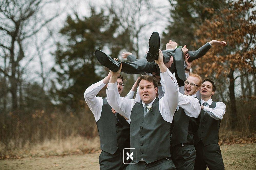 jesse_cori_northwest_arkansas_wedding_photography_Kindred_Barn_0019.jpg