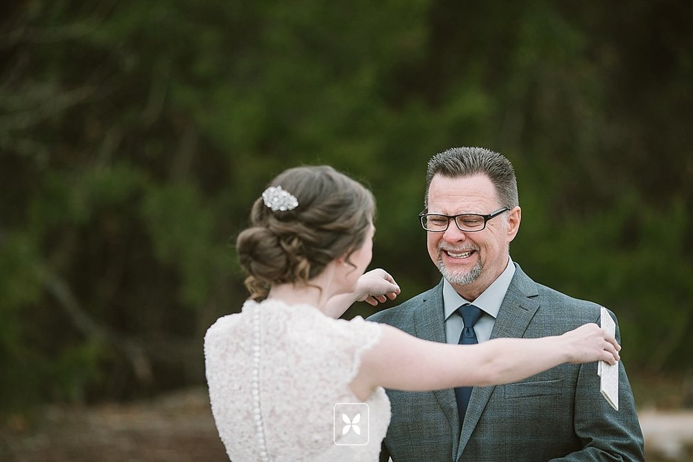 jesse_cori_northwest_arkansas_wedding_photography_Kindred_Barn_0032.jpg