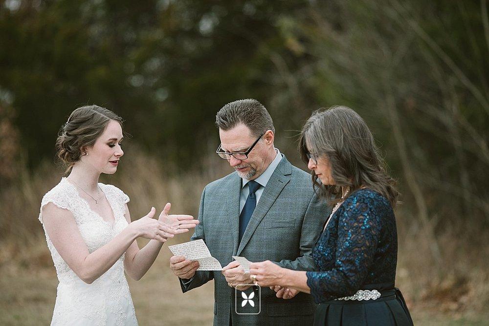 jesse_cori_northwest_arkansas_wedding_photography_Kindred_Barn_0034.jpg