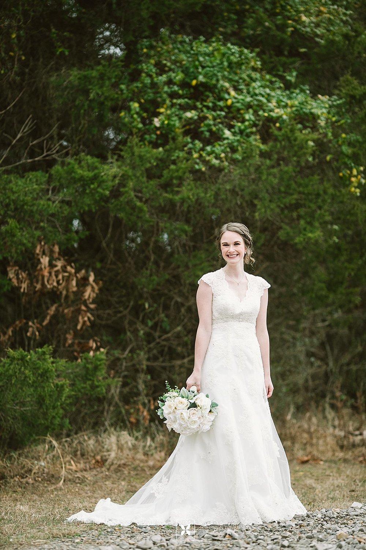 jesse_cori_northwest_arkansas_wedding_photography_Kindred_Barn_0042.jpg
