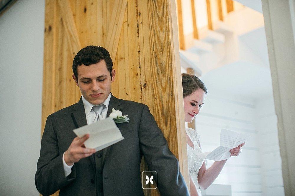 jesse_cori_northwest_arkansas_wedding_photography_Kindred_Barn_0045.jpg