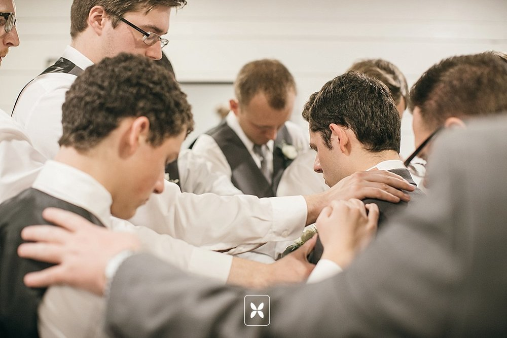 jesse_cori_northwest_arkansas_wedding_photography_Kindred_Barn_0048.jpg