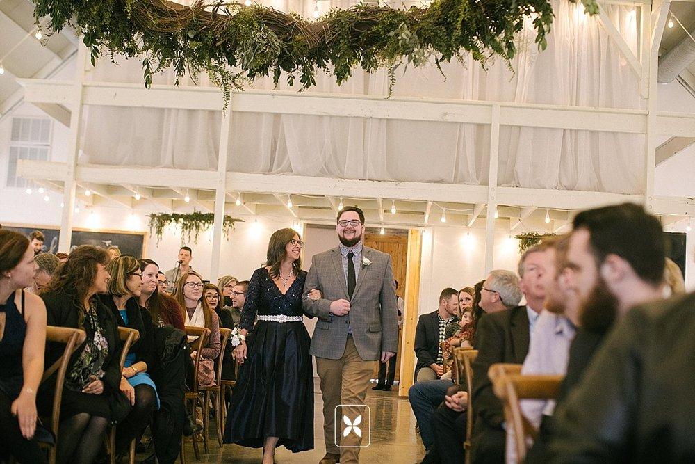 jesse_cori_northwest_arkansas_wedding_photography_Kindred_Barn_0051.jpg