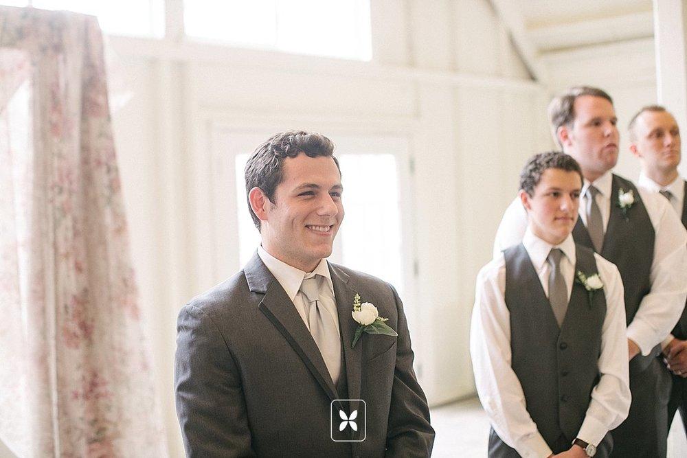 jesse_cori_northwest_arkansas_wedding_photography_Kindred_Barn_0052.jpg