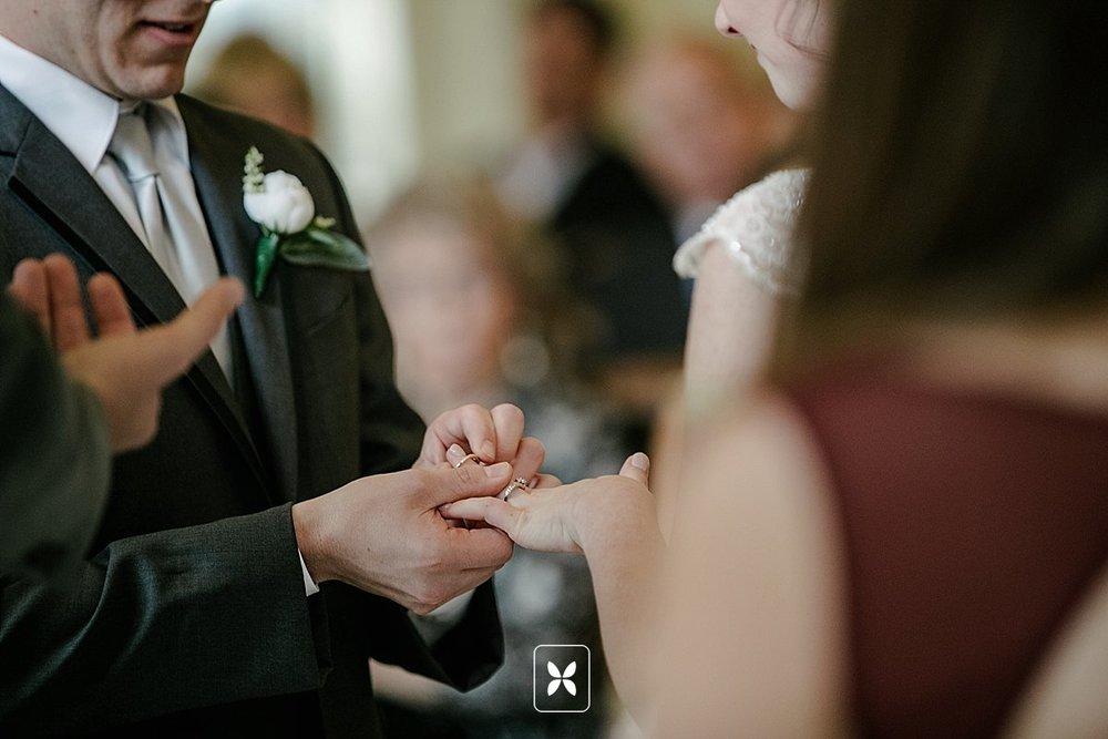 jesse_cori_northwest_arkansas_wedding_photography_Kindred_Barn_0060.jpg