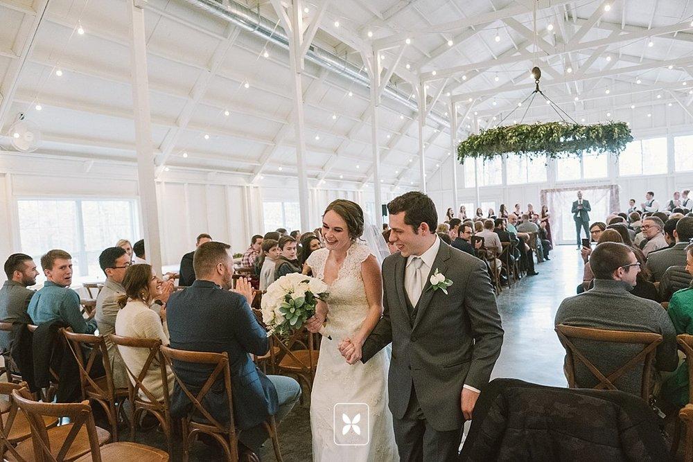jesse_cori_northwest_arkansas_wedding_photography_Kindred_Barn_0127.jpg