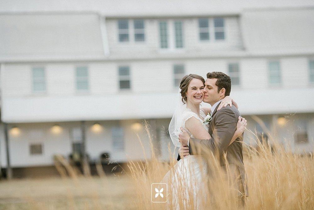 jesse_cori_northwest_arkansas_wedding_photography_Kindred_Barn_0069.jpg