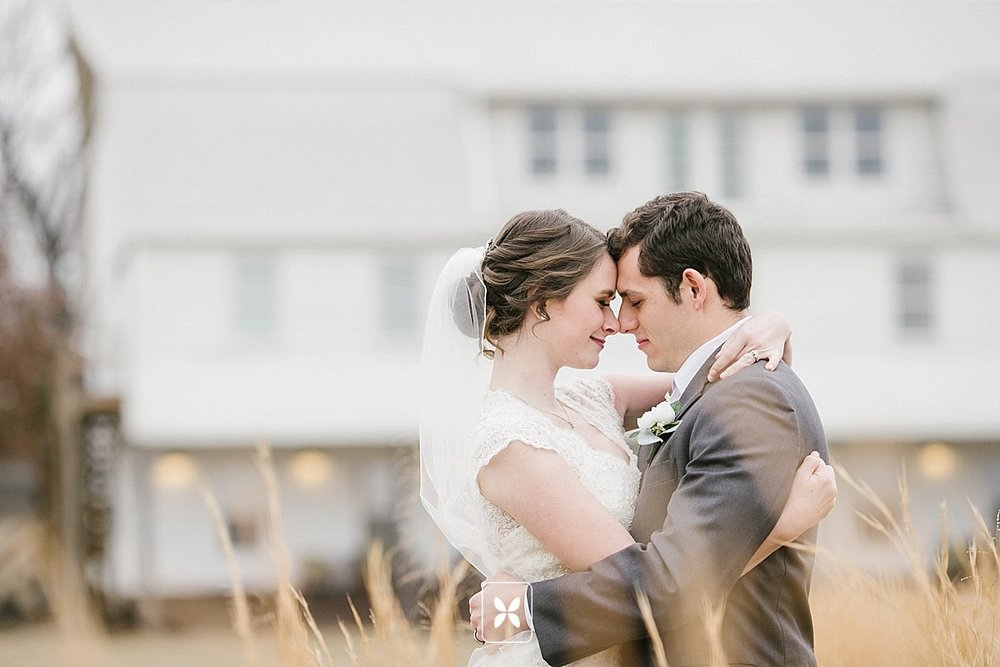 jesse_cori_northwest_arkansas_wedding_photography_Kindred_Barn_0070.jpg