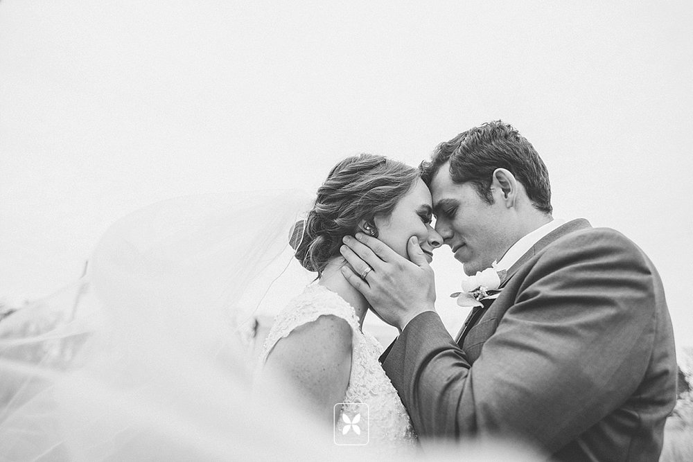 jesse_cori_northwest_arkansas_wedding_photography_Kindred_Barn_0078.jpg