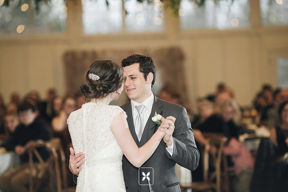 jesse_cori_northwest_arkansas_wedding_photography_Kindred_Barn_0087.jpg