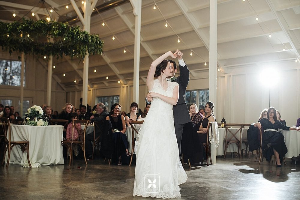 jesse_cori_northwest_arkansas_wedding_photography_Kindred_Barn_0089.jpg