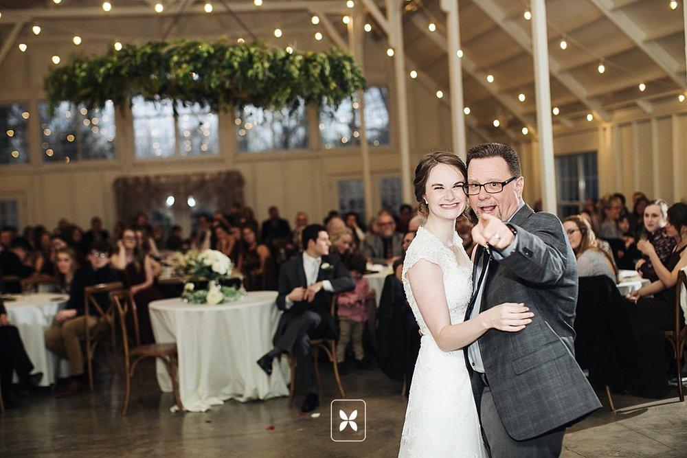 jesse_cori_northwest_arkansas_wedding_photography_Kindred_Barn_0090.jpg