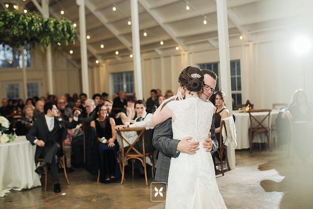 jesse_cori_northwest_arkansas_wedding_photography_Kindred_Barn_0091.jpg