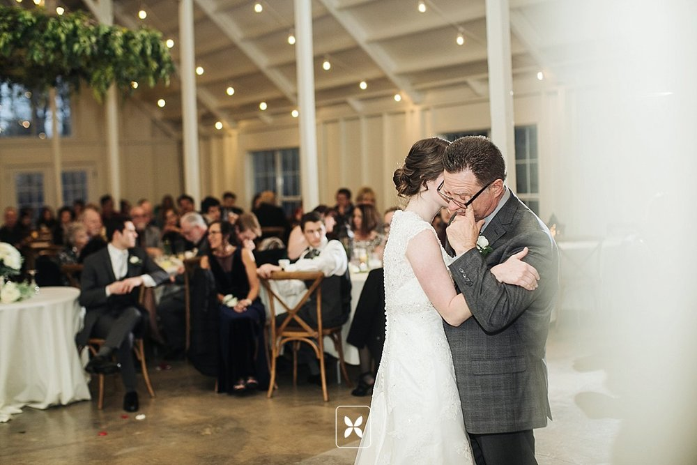 jesse_cori_northwest_arkansas_wedding_photography_Kindred_Barn_0092.jpg