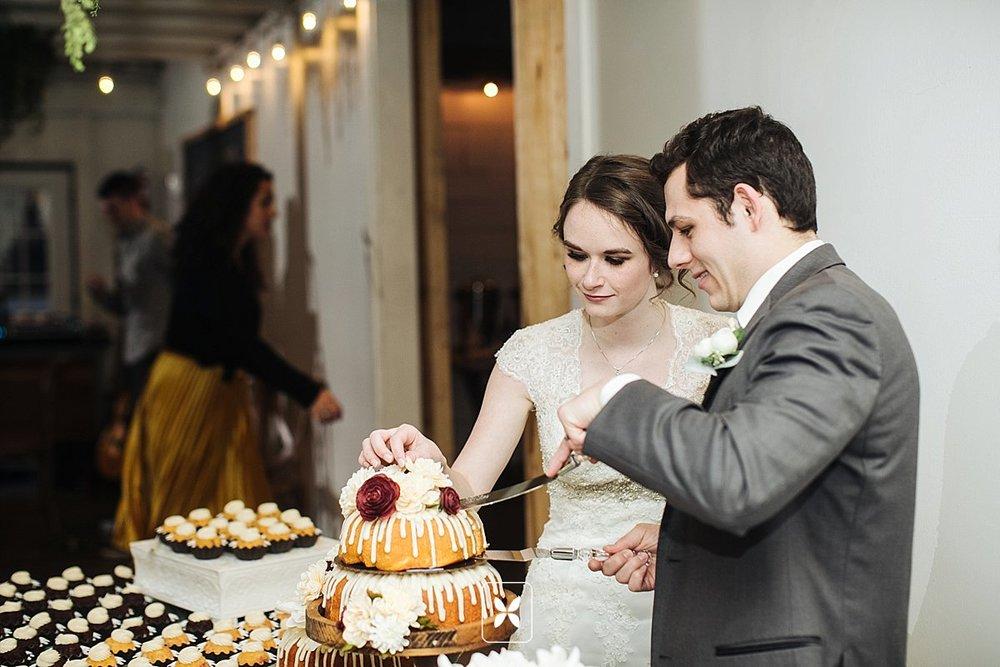 jesse_cori_northwest_arkansas_wedding_photography_Kindred_Barn_0095.jpg