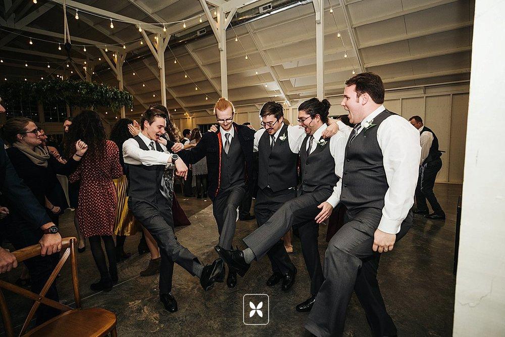 jesse_cori_northwest_arkansas_wedding_photography_Kindred_Barn_0099.jpg