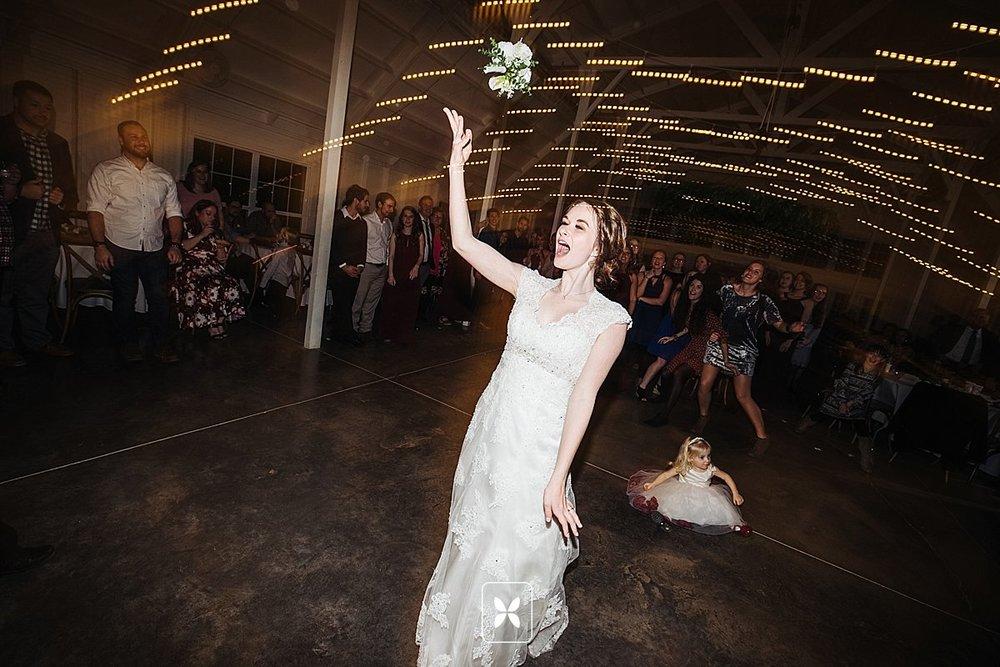 jesse_cori_northwest_arkansas_wedding_photography_Kindred_Barn_0107.jpg
