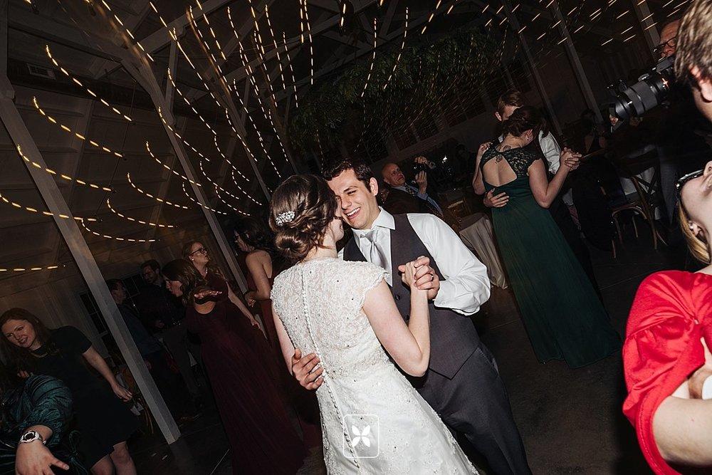jesse_cori_northwest_arkansas_wedding_photography_Kindred_Barn_0109.jpg