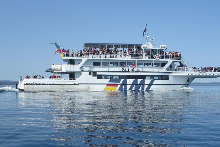boat 750x500.jpg