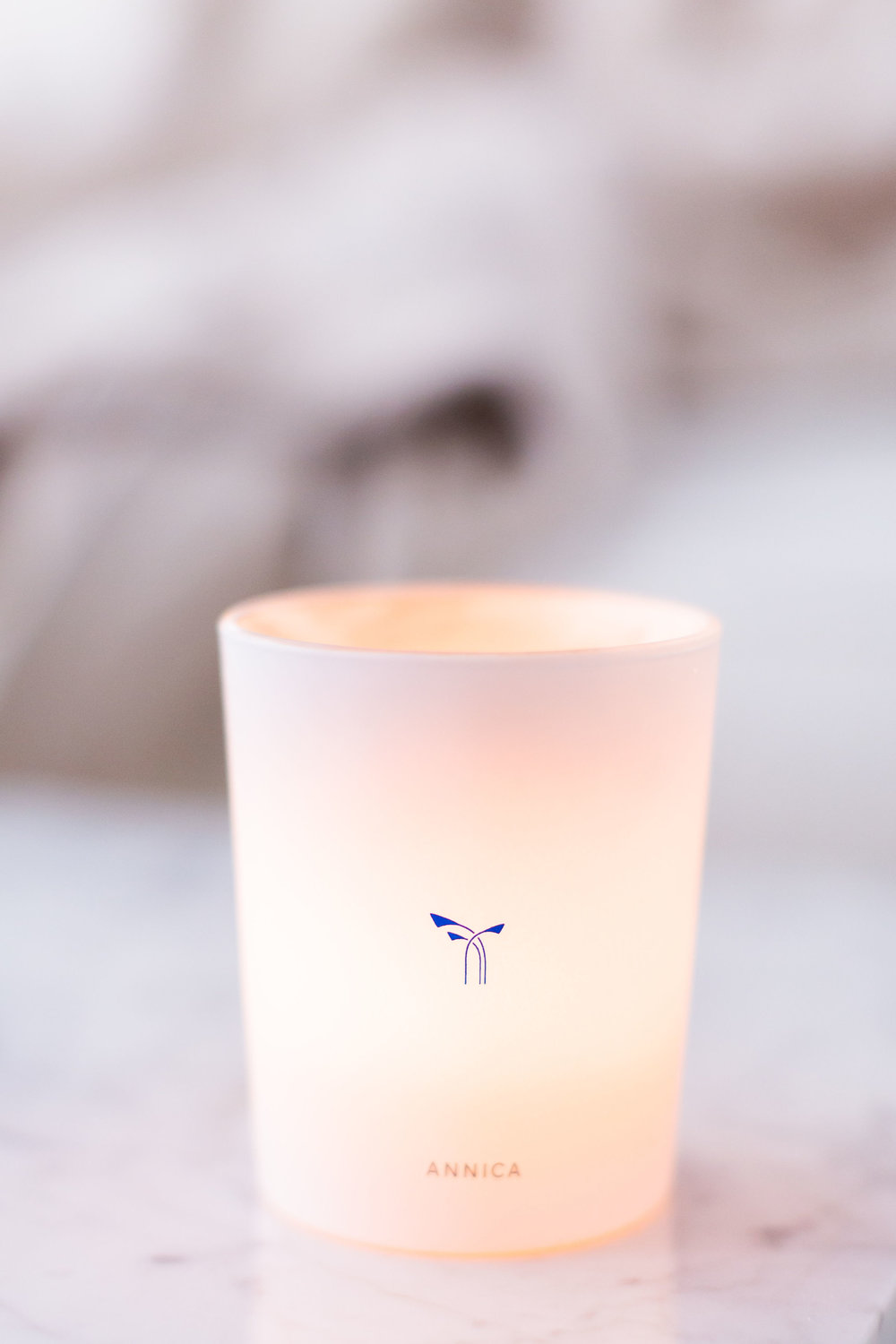 The best non-toxic night time routine for restful sleep and beautiful skin, clean beauty, facial care, self-care, tips, favorite non-toxic beauty products, non-toxic household products, healthy skin, healthy life, annica candle, phlur, responsibly sourced & cruelty-free fragrances & candles. Scents that feel as great as they smell.