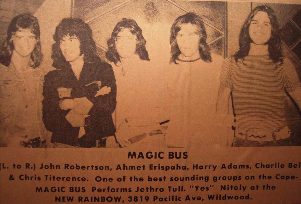 Magic-Bus-07.jpg