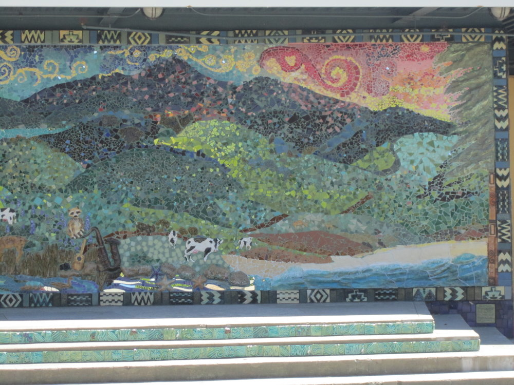 right side view of mosaic mural at Redwood High
