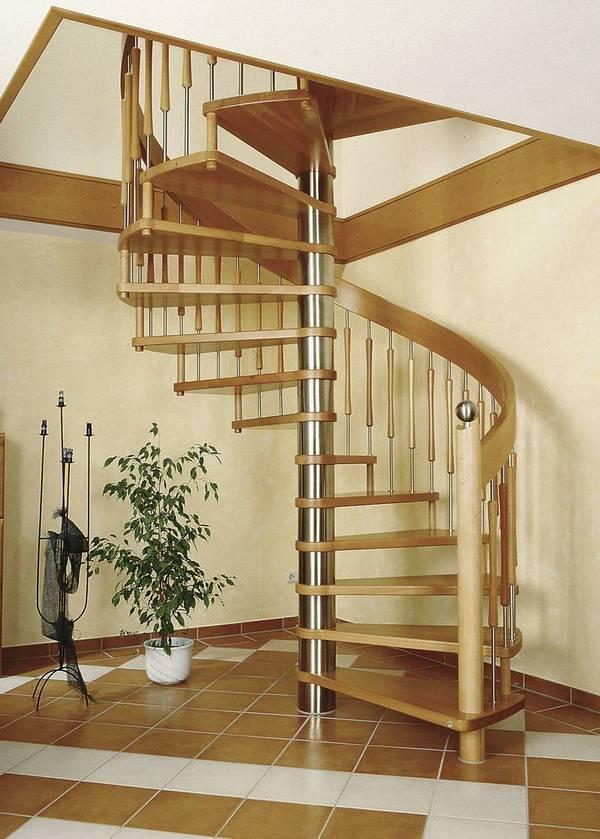 Spindeltreppen - Spindeltreppen im Wohnraum sind ein  außerordentliches Gestaltungselement und sie geben dem Raum eine  besondere Prägung. Ob modern oder klassisch werden sie zum Blickfang  Ihres Hauses.