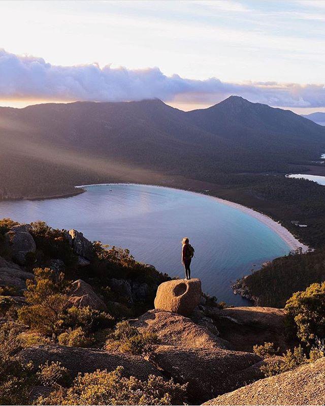 If you're sleeping in, you're missing out • 🌿@wildroadwanderers . . . . . . .  #tasmania #dametraveler  #passionpassport #livefolk #ventureout #worlderlust #adventureculture #seetheworld #getoutside #roamtheplanet #welltravelled #earthofficial #awakethesoul #sheisnotlost #lonelyplanet  #travelcouple  #passportready #awesomeearth #natgeotravel  #naturelover #travelawesome #hikingadventures #bbctravel #radgirlslife #traveldeeper #travelstoke #sunrise🌅 #explorers #travelbug #keepexploring