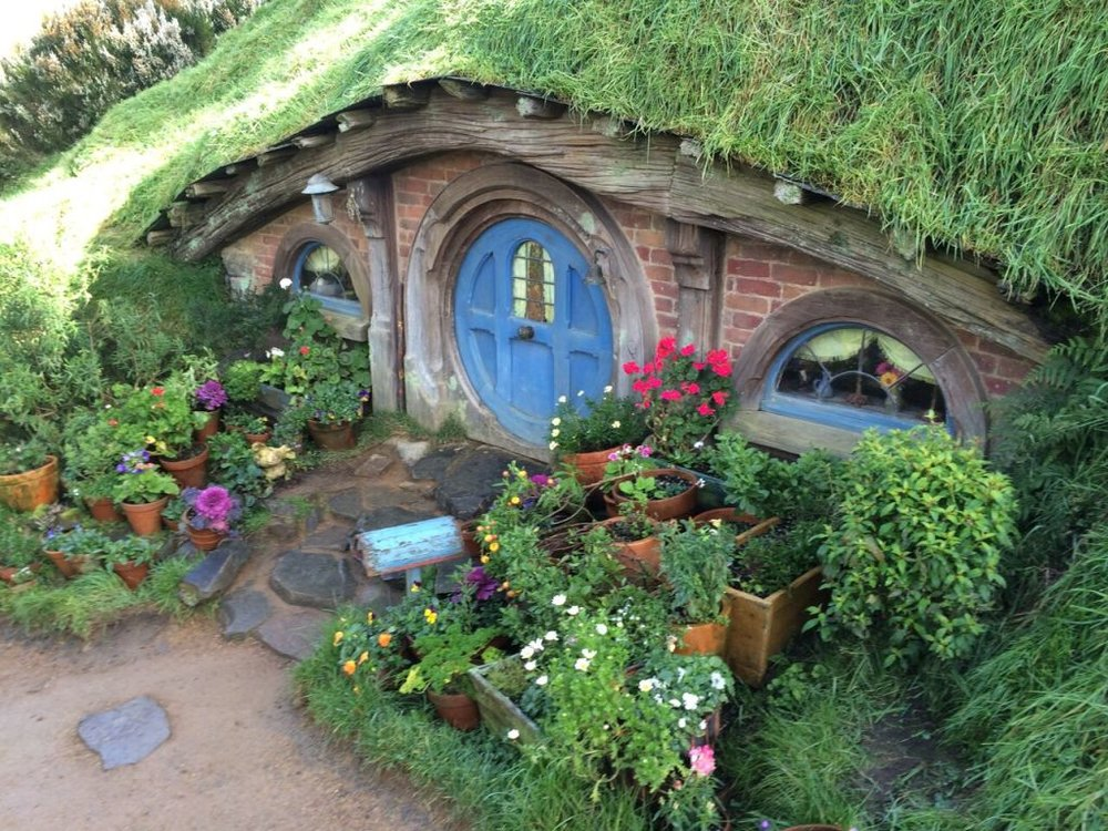 Photo-4-A-hobbit-hole-1.jpg