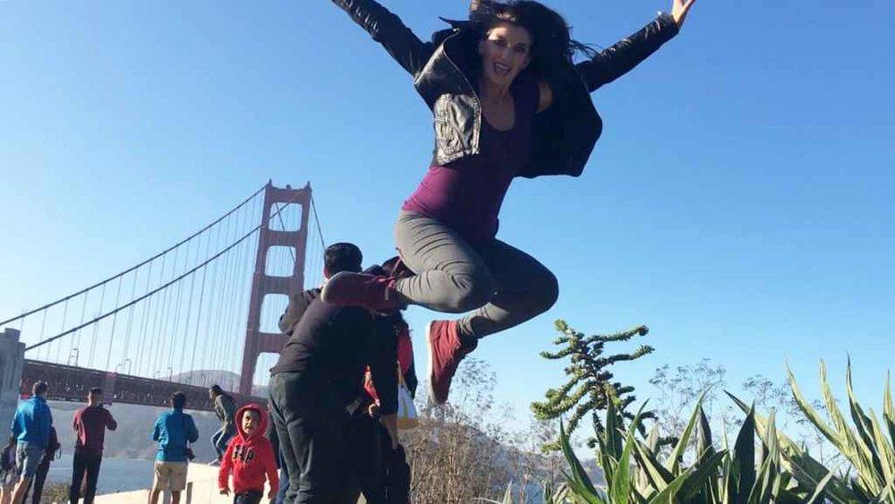 Golden-Gate-Bridge-Jumping-Pic.jpg
