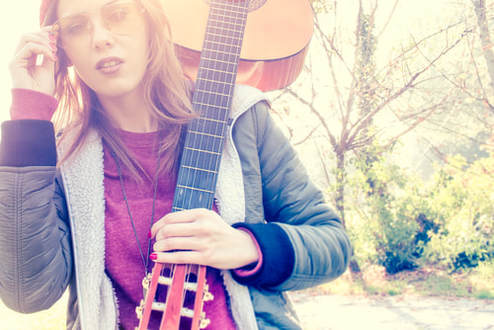 hippie-girl-with-guitar.jpg