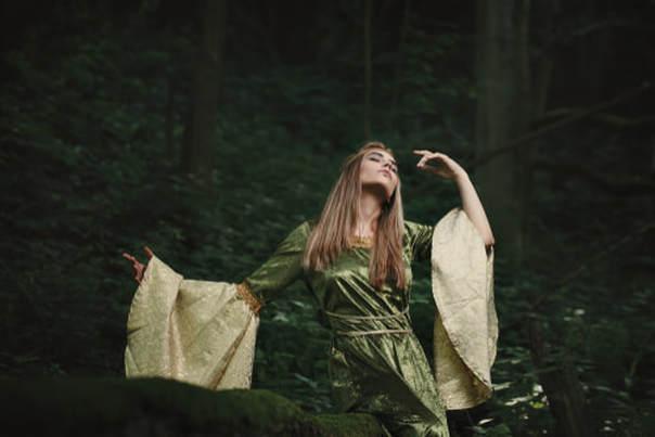 hippie-in-forest-2.jpg