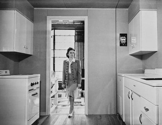 mansion-1945_1.jpg