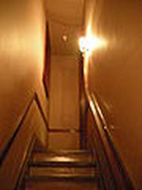 90px-casa-loma-july-2010-19-secret-passageway_1.jpg