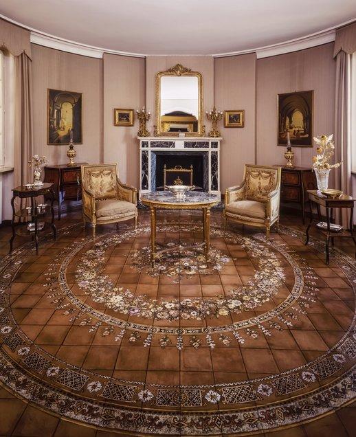 mansion-furniture.jpg