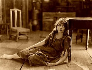 mary-pickford-1963155-340_1.jpg